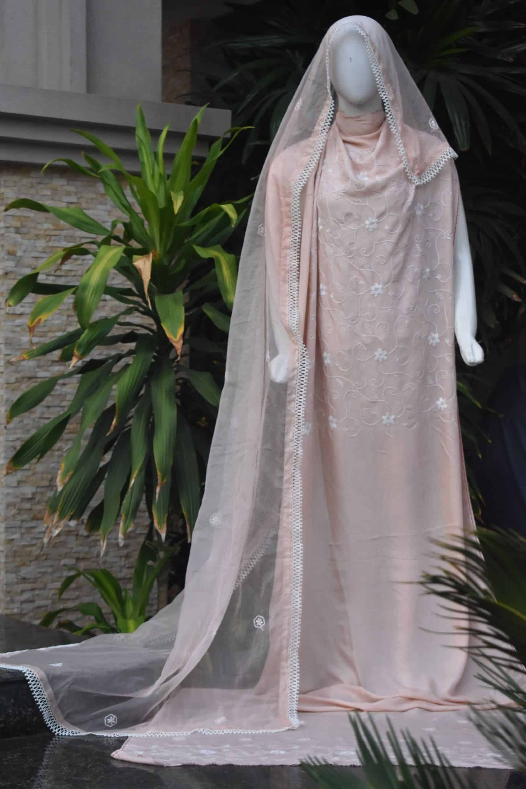 Peach nnovative chikankari