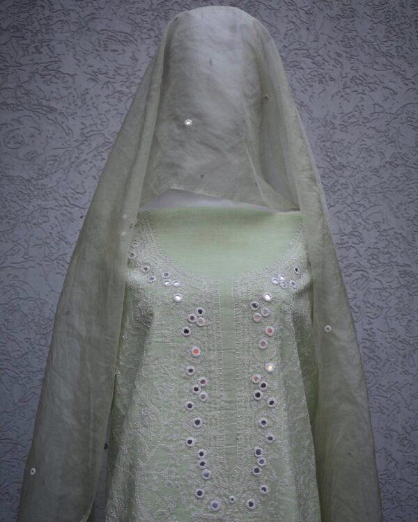 cotton silk mirror work and dupatta closup