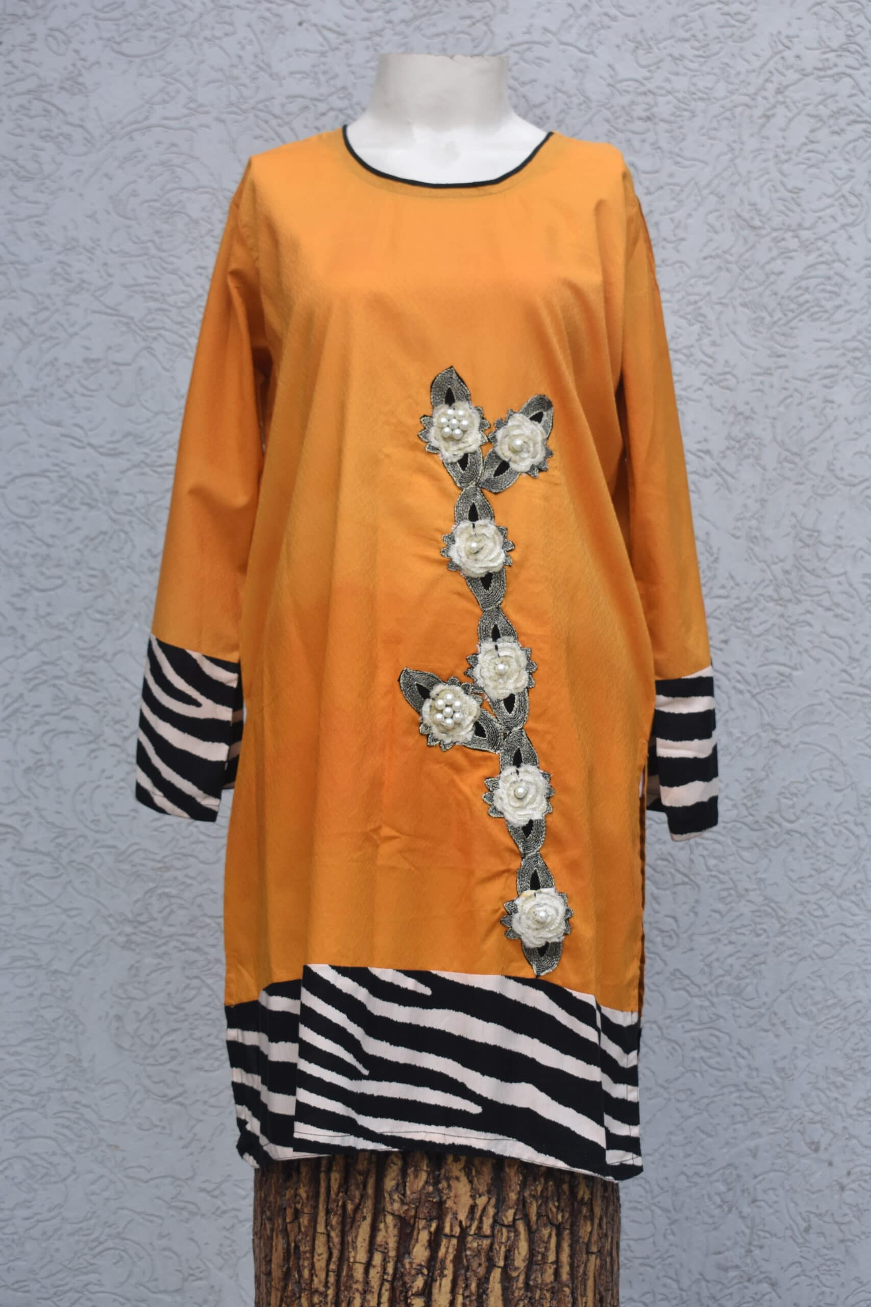 motifs with pearls kurta